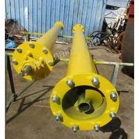 Filler screw conveyor